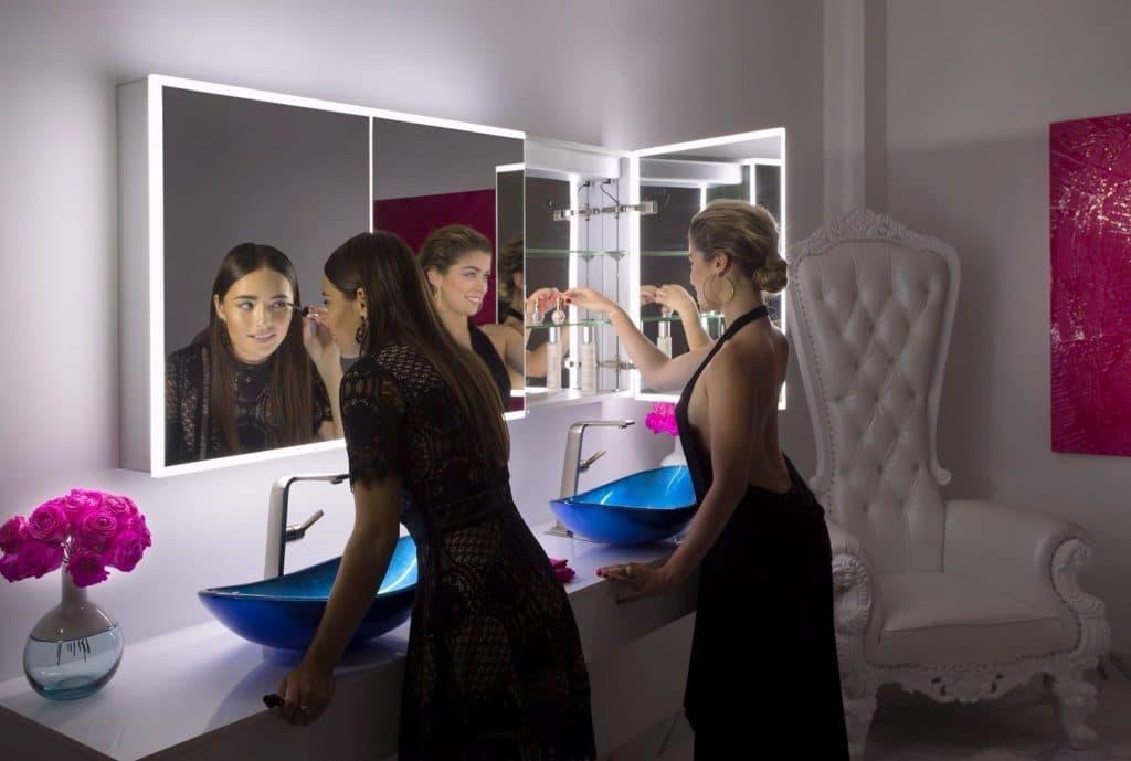 Armário com espelho Iluminado para banheiro