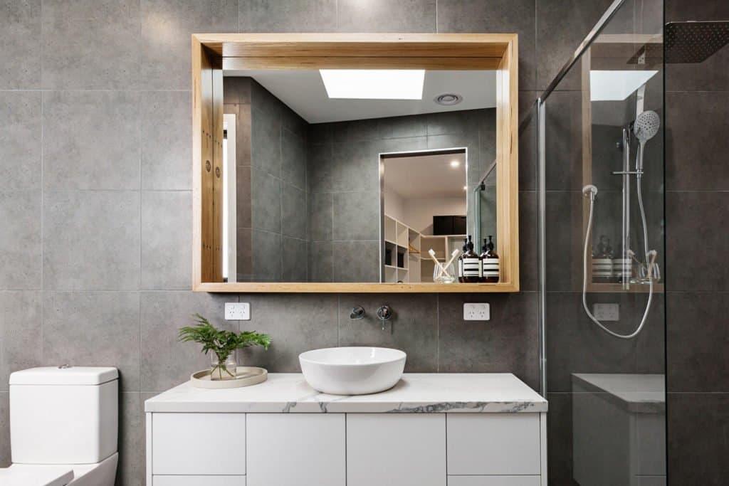Espelho Banheiro Com Moldura