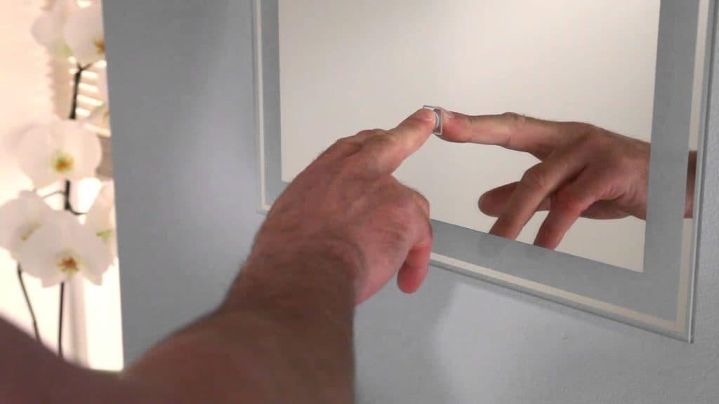 Espelho com LED Touch