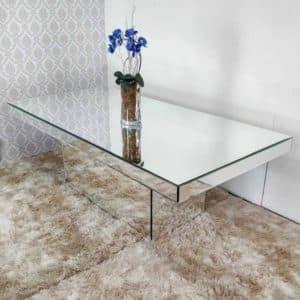 Mesa de jantar de espelho
