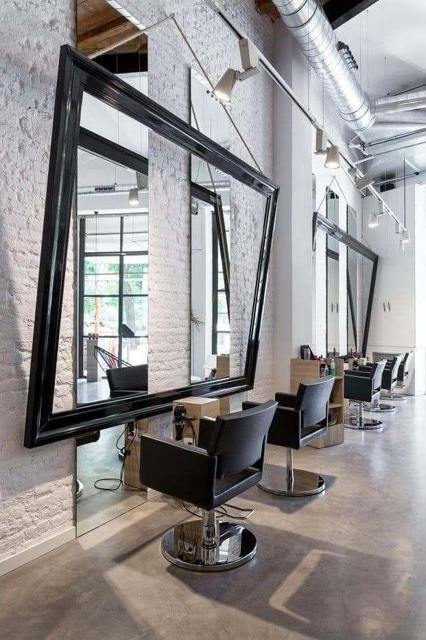 Espelho com Moldura para Salão de Beleza