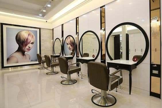 Espelho com Moldura Redonda para Salão de Beleza