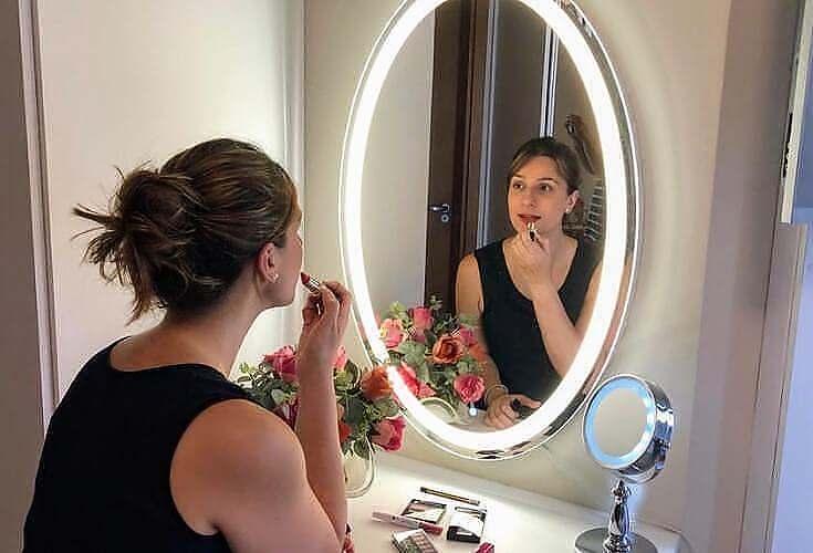 Espelho para Maquiagem estilo Iluminado Oval